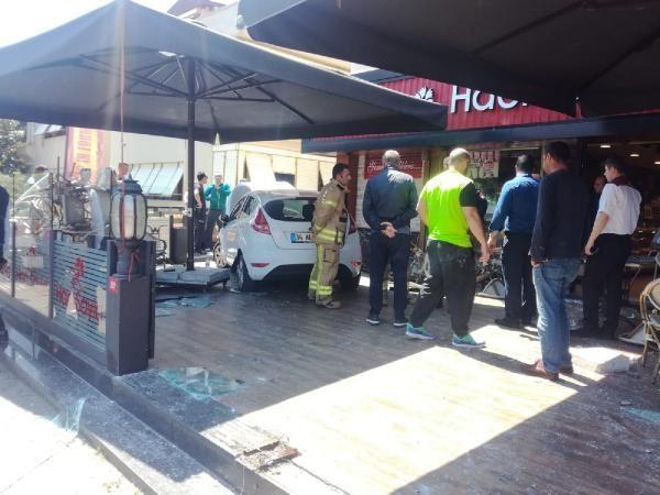 İstanbul Bakırköy'de otomobil kafeye daldı - Sayfa 8