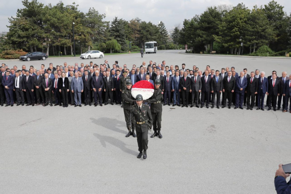 CHP'li 250 belediye başkanından Anıtkabir ziyareti Ekrem İmamoğlu da paylaştı - Sayfa 4