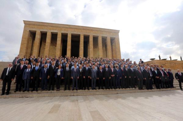 CHP'li 250 belediye başkanından Anıtkabir ziyareti Ekrem İmamoğlu da paylaştı - Sayfa 1