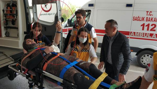 Samsun'da bir kişi karnına saplanan zıpkınla hastaneye kaldırıldı - Sayfa 4