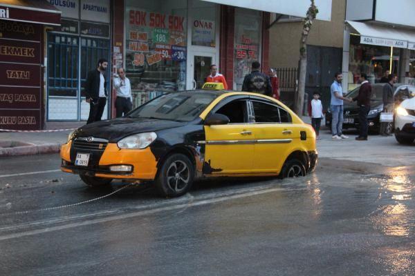 Malatya'da yol çöktü Taksi çukura düştü - Sayfa 6