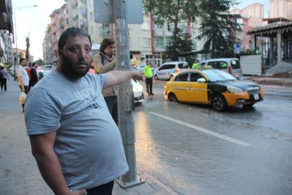 Malatya'da yol çöktü Taksi çukura düştü - Sayfa 8