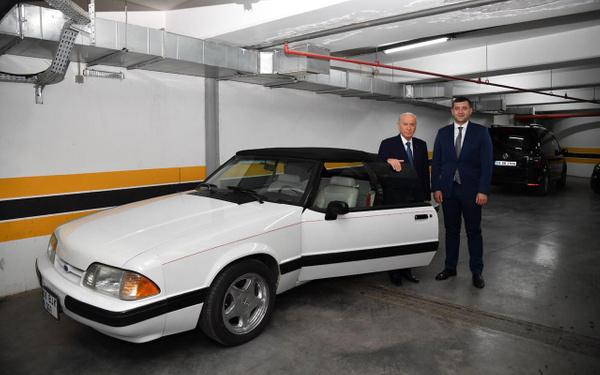 Devlet Bahçeli klasik Mustang aracını Baki Ersoy'a hediye etti - Sayfa 3