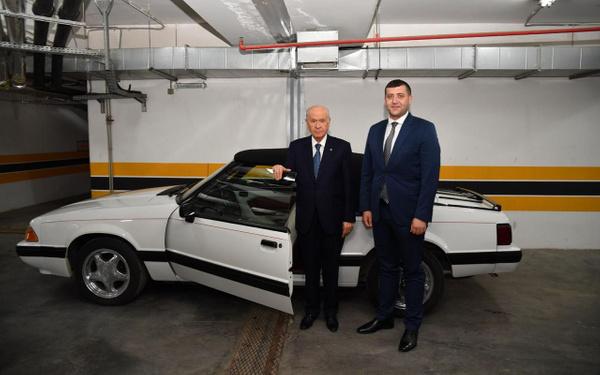 Devlet Bahçeli klasik Mustang aracını Baki Ersoy'a hediye etti - Sayfa 4
