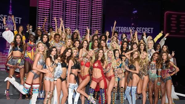 İzlenme rekorları kırıyordu! Victoria's Secret televizyon şovlarına son veriyor! - Sayfa 11