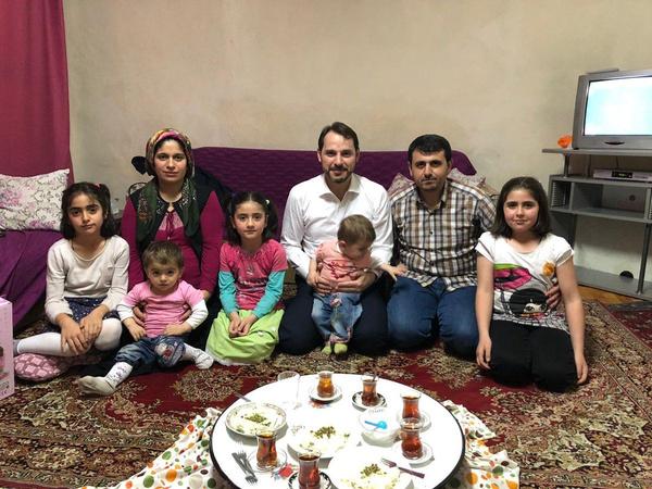 Bakan Albayrak iftarda Kılıç ailesine misafir oldu - Sayfa 4
