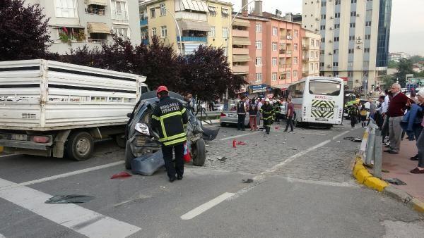 Kocaeli'de midibüsün freni boşaldı 11 araç birbirine girdi - Sayfa 5