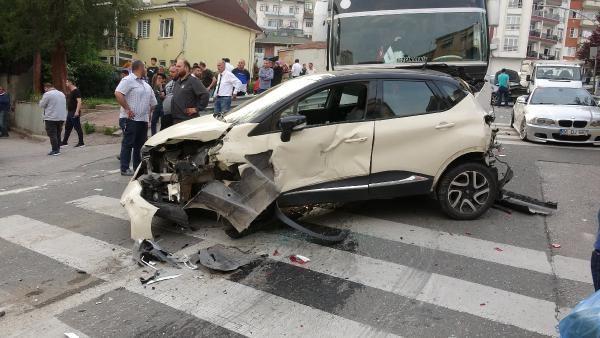 Kocaeli'de midibüsün freni boşaldı 11 araç birbirine girdi - Sayfa 8
