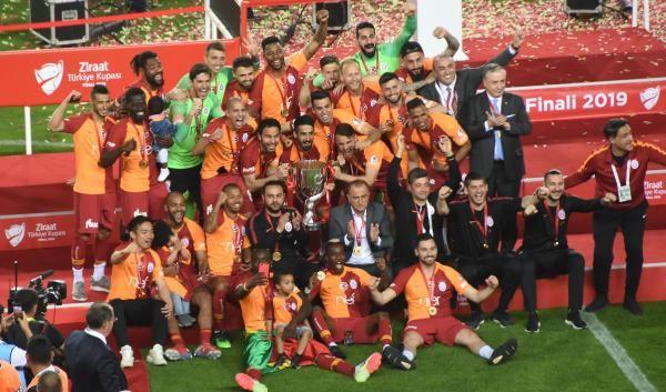 Ziraat Türkiye Kupası şampiyonu Galatasaray kupasını aldı - Sayfa 3