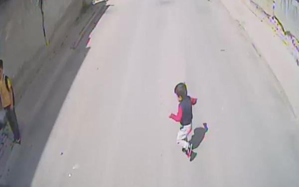 Bursa'da 4 yaşındaki Yasin otobüsün altında böyle kaldı - Sayfa 4