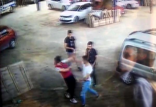 Kütahya'da korkunç görüntüler Döner bıçağı ile saldırdı - Sayfa 3