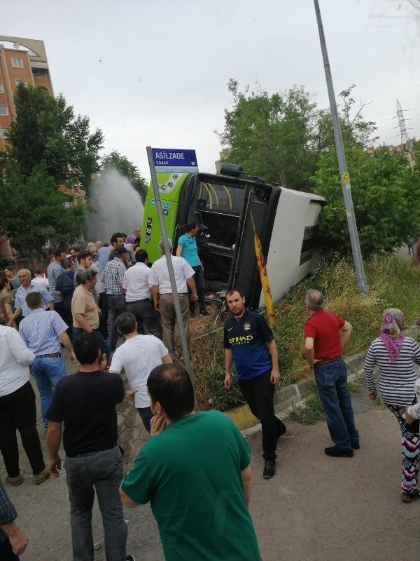 Kocaeli'de halk otobüsü devrildi 6 yaralı - Sayfa 5