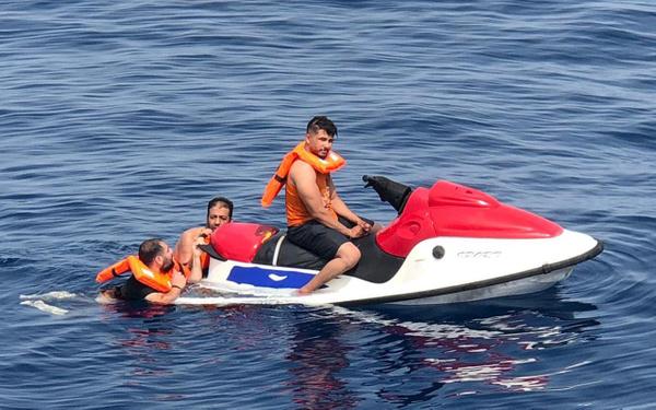 Muğla Bodrum'da Filistinli kaçaklar jet-ski ile yakalandı - Sayfa 1