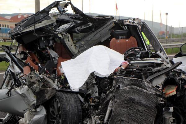 Bolu'da TIR'a çarpan lüks araç hurdaya döndü 1 ölü 1 yaralı - Sayfa 2