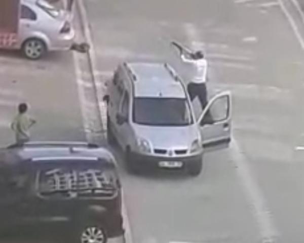 İstanbul Esenyurt'ta öfkeli adam genç kıza dehşeti yaşattı - Sayfa 11