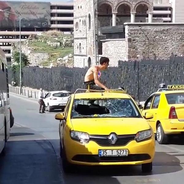 İzmir'de uyuşturucu etkisindeki bir genç ortalığı birbirine kattı - Sayfa 2