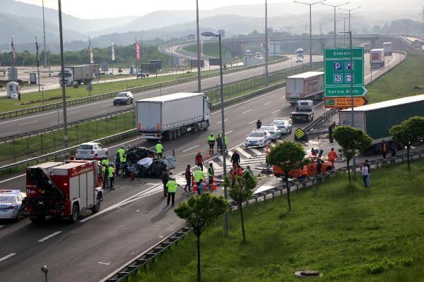 Bolu'da TIR'a çarpan lüks araç hurdaya döndü 1 ölü 1 yaralı - Sayfa 8
