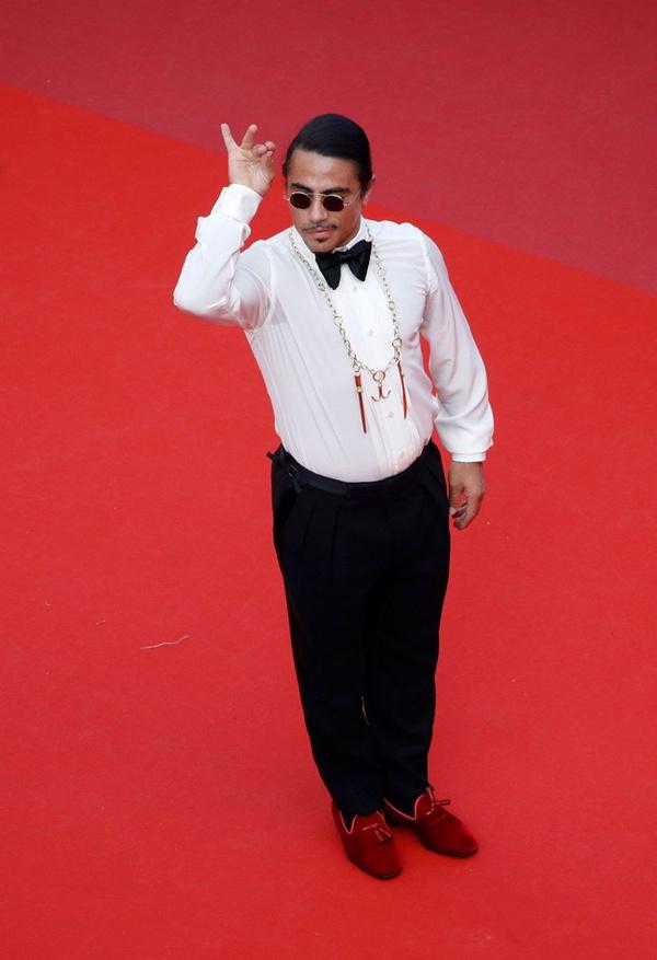Kolye ve ayakkabısı olaydı Nusret'in Cannes Film Festivali'ndeki haline bakın - Sayfa 8