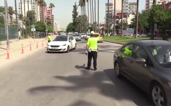 Adana polisinden sürücüye empati cezası - Sayfa 4