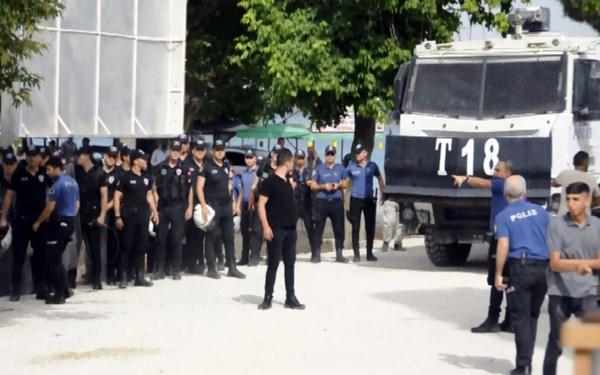 Adana'da zabıtaya saldırıya polis müdahalesi - Sayfa 2