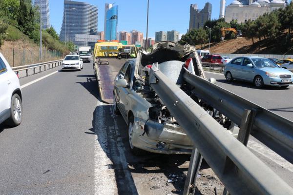 İstanbul Ümraniye'de bariyere saplanan araçtan sağ çıktılar - Sayfa 5