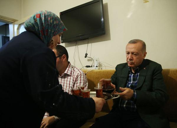 Cumhurbaşkanı Erdoğan bayram ziyareti yaptı gönülleri fethetti - Sayfa 4