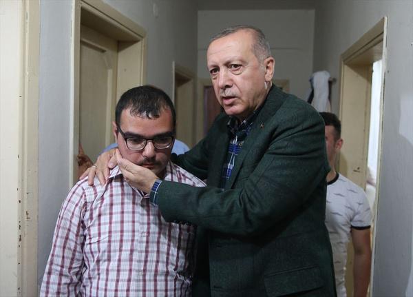 Cumhurbaşkanı Erdoğan bayram ziyareti yaptı gönülleri fethetti - Sayfa 8