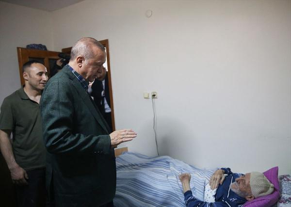 Cumhurbaşkanı Erdoğan bayram ziyareti yaptı gönülleri fethetti - Sayfa 9