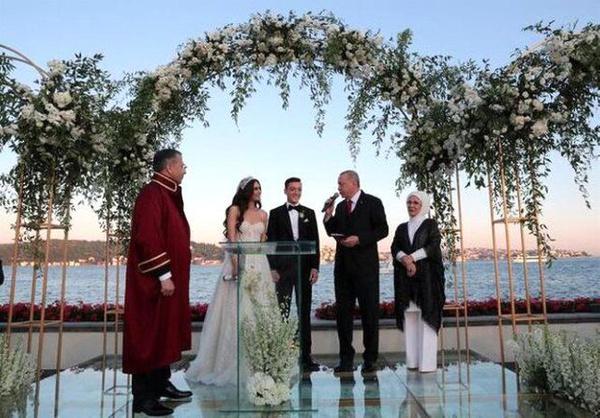 Amine Gülşe ve Mesut Özil evlendi! Düğüne ünlü akını oldu - Sayfa 2