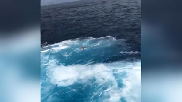 Feribot ile geminin çarpışacağını düşünen kadın suya atladı - Sayfa 4