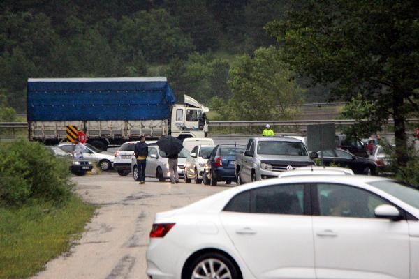 Bolu'da D-100'ün Ankara yönü selden dolayı trafiğe kapandı - Sayfa 6