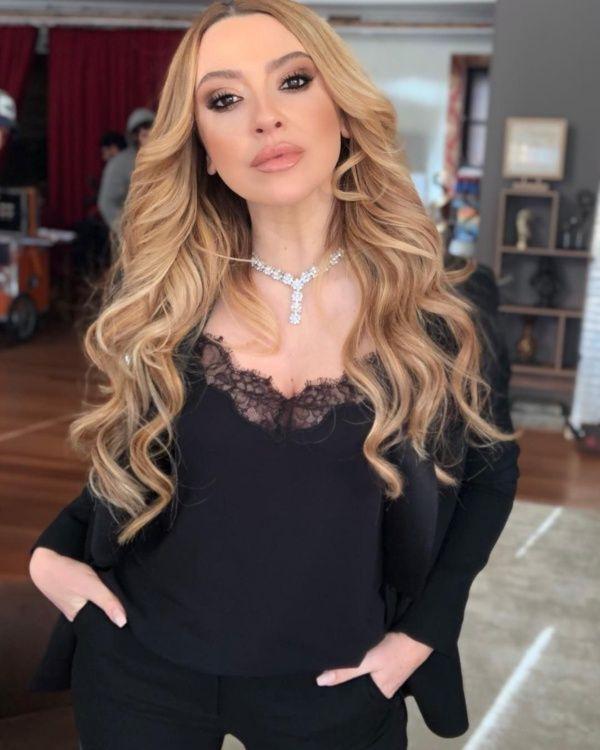 O Ses Türkiye'nin jürisi ve ünlü şarkıcı Hadise'den hayranlarını mest eden bikinili fotoğraf - Sayfa 13