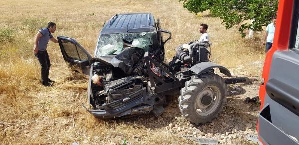Hafif ticari araç traktörle çarpıştı: 2 ölü, 1 yaralı - Sayfa 3
