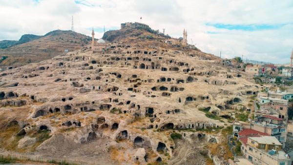 Nevşehir'de Roma askerlerinin atları için tasarlanmış bin 500 yıllık ahır bulundu - Sayfa 2