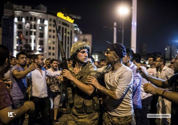 15 Temmuz gecesi Erdoğan´Ä±n havalimanında alnından öptüğü Ahmet Onay konuştu - Sayfa 14