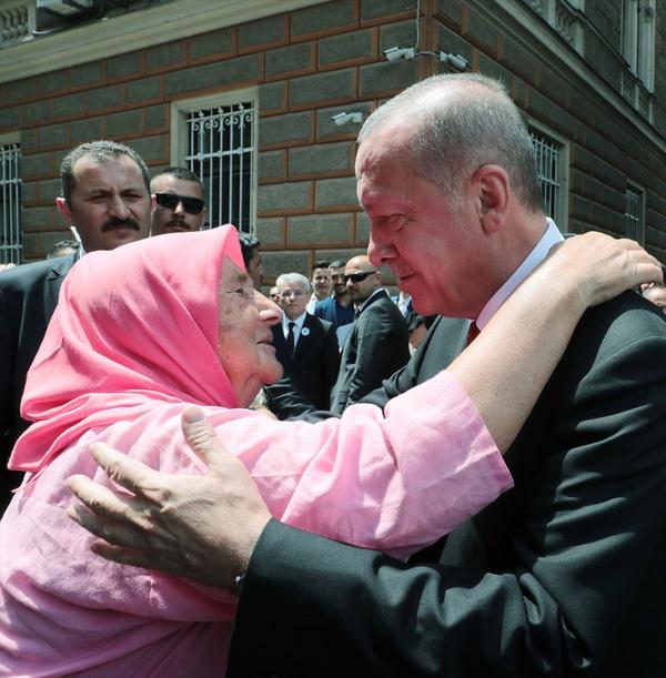 Cumhurbaşkanı Erdoğan Srebrenitsa Soykırımı kurbanları anısına düzenlenen geçit törenine katıldı - Sayfa 1