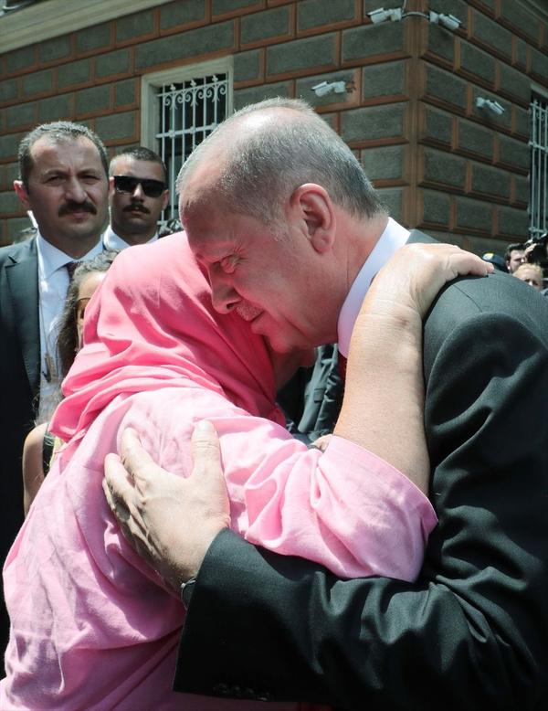 Cumhurbaşkanı Erdoğan Srebrenitsa Soykırımı kurbanları anısına düzenlenen geçit törenine katıldı - Sayfa 2