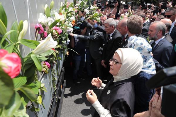 Cumhurbaşkanı Erdoğan Srebrenitsa Soykırımı kurbanları anısına düzenlenen geçit törenine katıldı - Sayfa 4