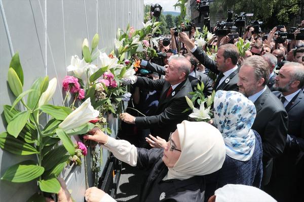 Cumhurbaşkanı Erdoğan Srebrenitsa Soykırımı kurbanları anısına düzenlenen geçit törenine katıldı - Sayfa 5