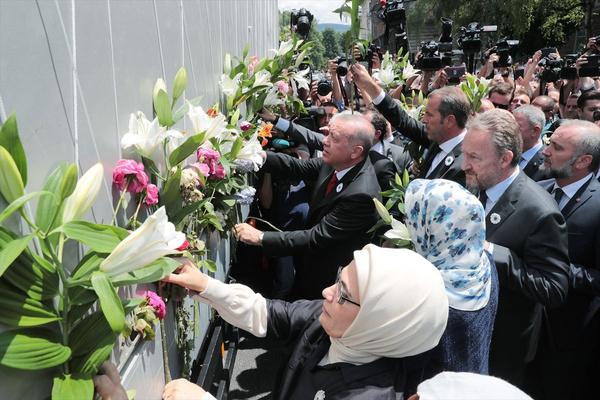 Cumhurbaşkanı Erdoğan Srebrenitsa Soykırımı kurbanları anısına düzenlenen geçit törenine katıldı - Sayfa 6