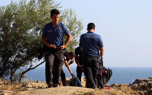 Antalya'da falezlerde intihar girişimi - Sayfa 4