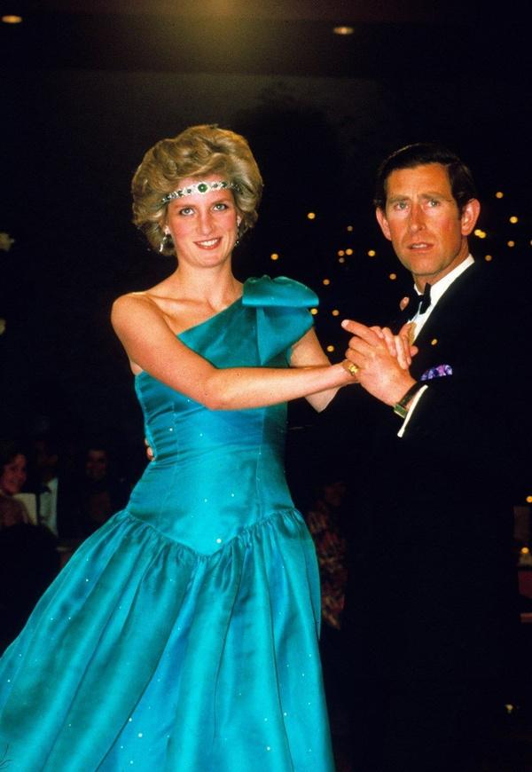 Prenses Diana'nın sweatshirt'ü rekor paraya satıldı - Sayfa 7
