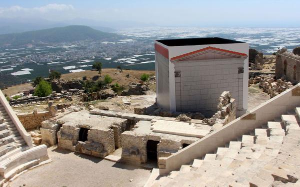 Antalya'da tarihi antik kente fırtına vurdu! Skandal restorasyon hatası ortaya çıktı - Sayfa 4