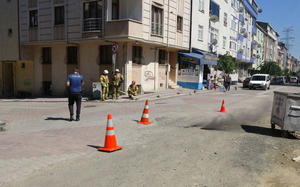 İstanbul'un göbeğinde yeraltından dumanlar çıktı! Nedeni ise sonradan anlaşıldı - Sayfa 2