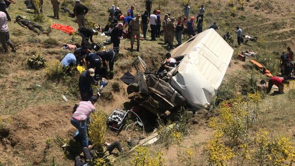Van'da katliam gibi trafik kazası! 15 kişi hayatını kaybetti 27 yaralı var - Sayfa 3