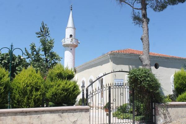 Balıkesir'de sıradışı imam! Camiyi botanik bahçeye çevirdi takdir topladı - Sayfa 2