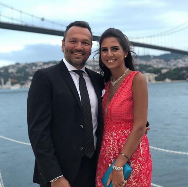 Güldür Güldür sunucusu Ali Sunal baba oldu eşi Nazlı Kurbanzade bakın kim çıktı - Sayfa 4