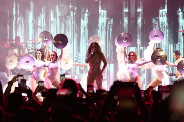 Jennifer Lopez Antalya'da fırtınalar estirdi! Kim Kardashian hayal kırıklığına uğrattı - Sayfa 9