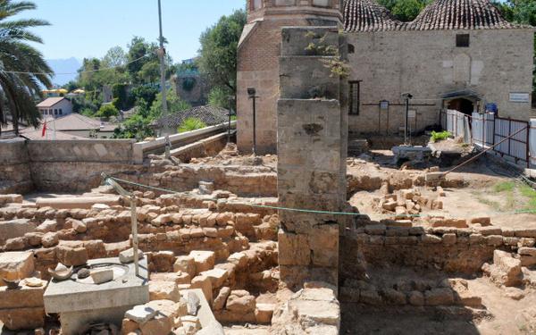 Antalya'da tarihi minarenin yanında ortaya çıktı tam 30 adet - Sayfa 5