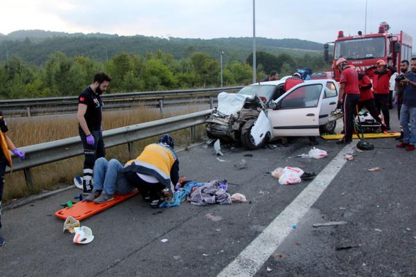 Bolu TEM otoyolunda otomobil minibüsle çarpıştı! Çok sayıda yaralı var - Sayfa 15